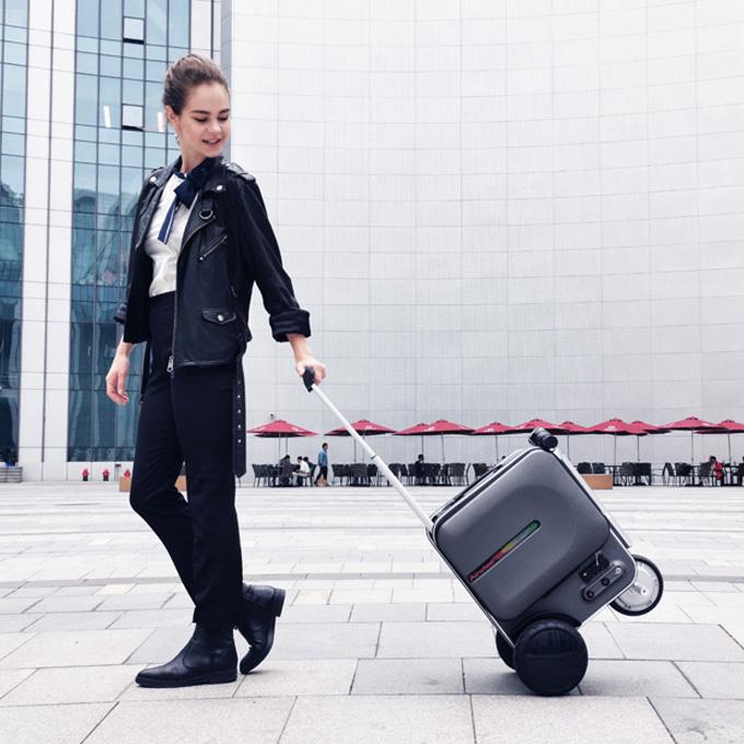 Airwheel SE3 Electric Luggage